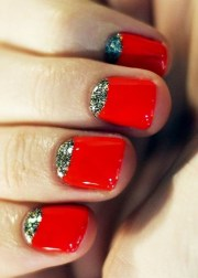 red nails design