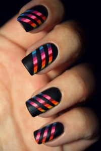 10 Stupendously Striped Nail Designs