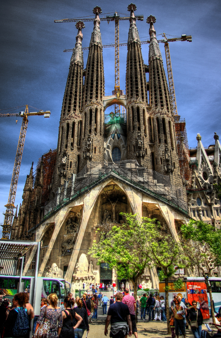 Top 10 MustSee Things In The Magnificent Barcelona