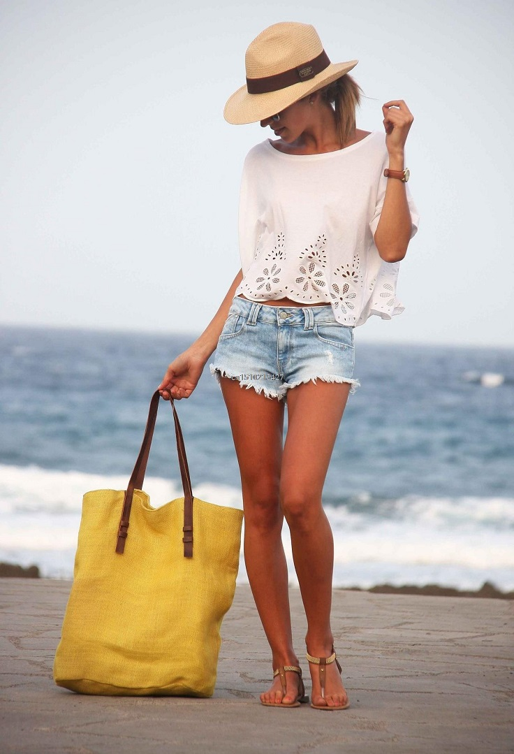 It's all about simplicity mixed with style. #fashion #beach