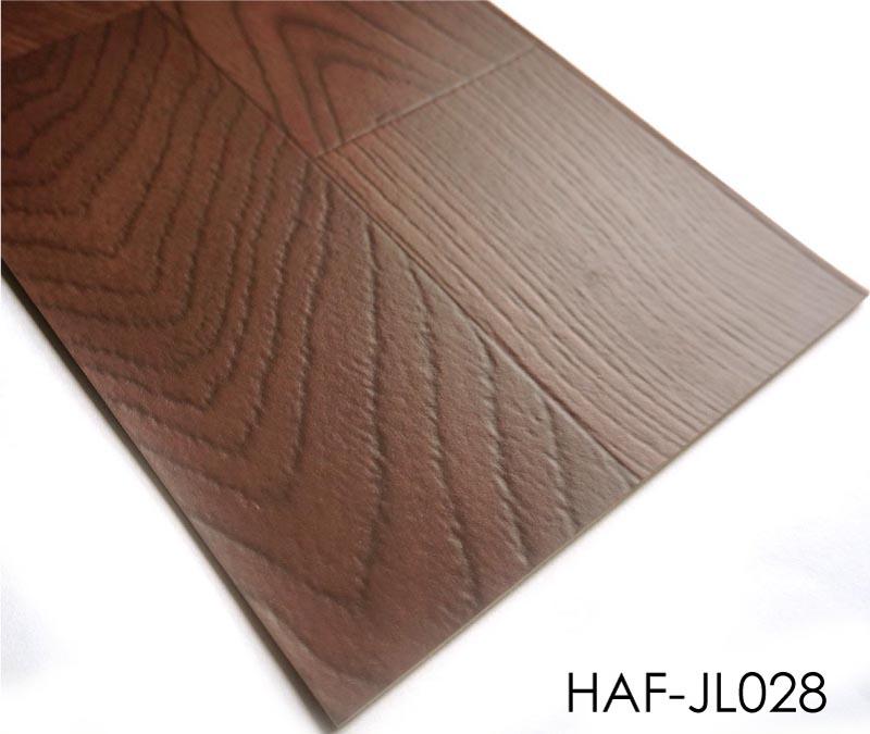 Natural Wood Flooring Looked Residential Vinyl Flooring