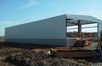 Topline Recreational Steel Buildings are 100% American Made Steel - Erection Process