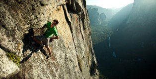 10-Alex-Honnold-free-solo-on-Sentinel-2011-ph-Pete-Mortimer-sm