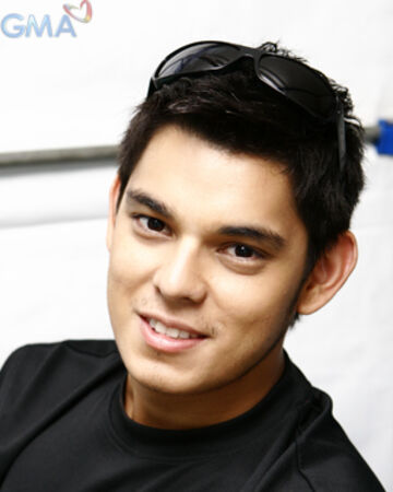 Top 10 Most Handsome Filipino Actors