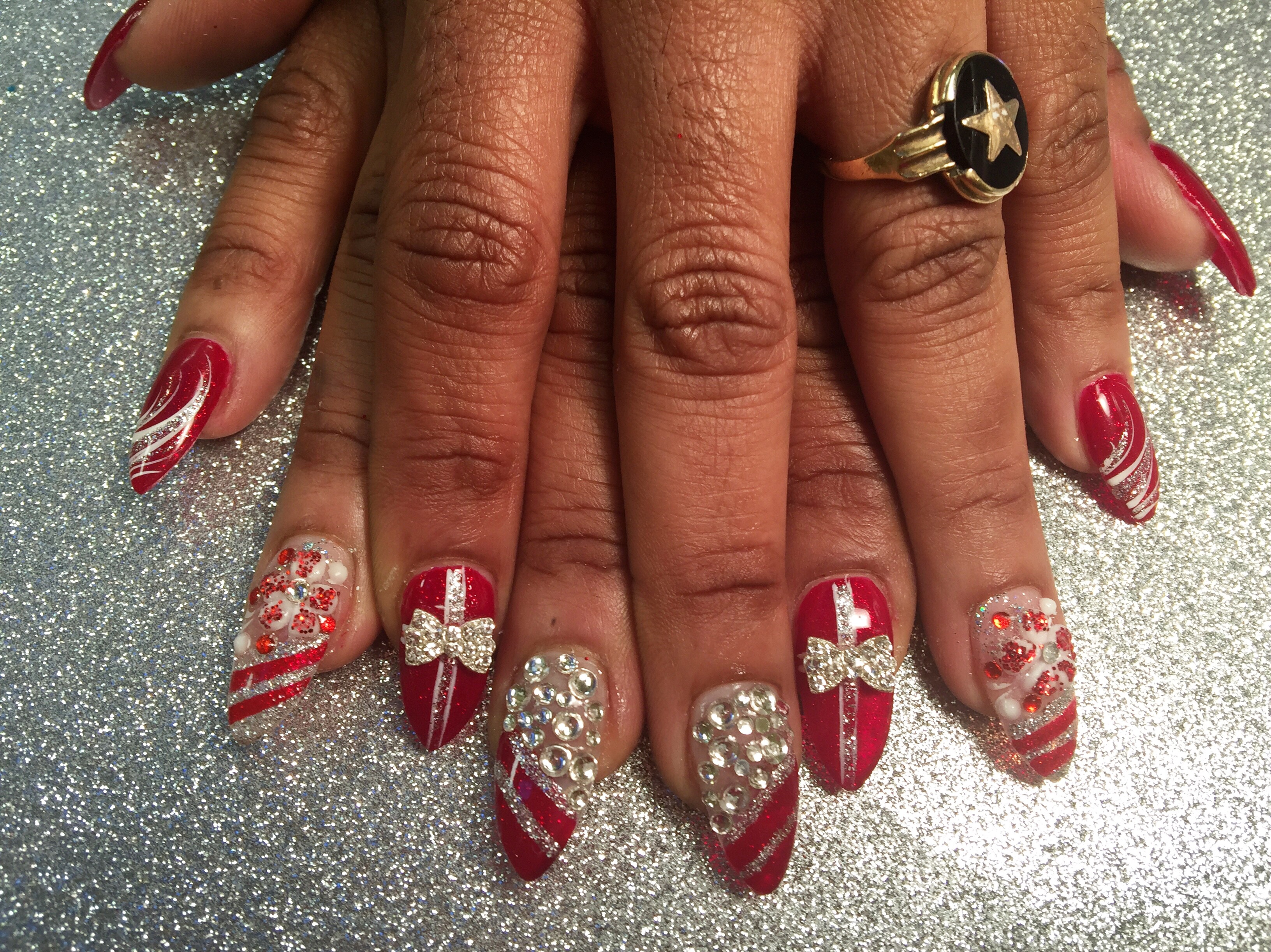 Sparkling Christmas Presents, nail art designs by Top