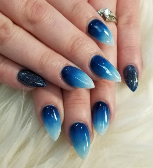 Deep blue sea ombre nails