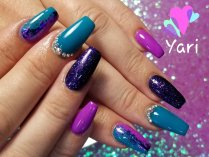 Custom gel nail designs by Yari