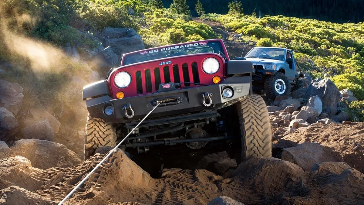 Best Off Road Winches – Find The Best Winch for Badland or a gutter