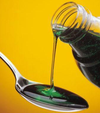 Penggunaan sendok biasa untuk obat cair membahayakan