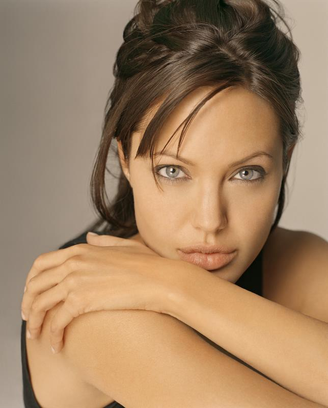 https://i0.wp.com/www.topnews.in/light/files/Angelina-Jolie-1.jpg