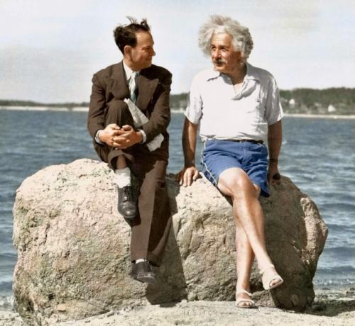 Эйнштейн на пляже, 1939.