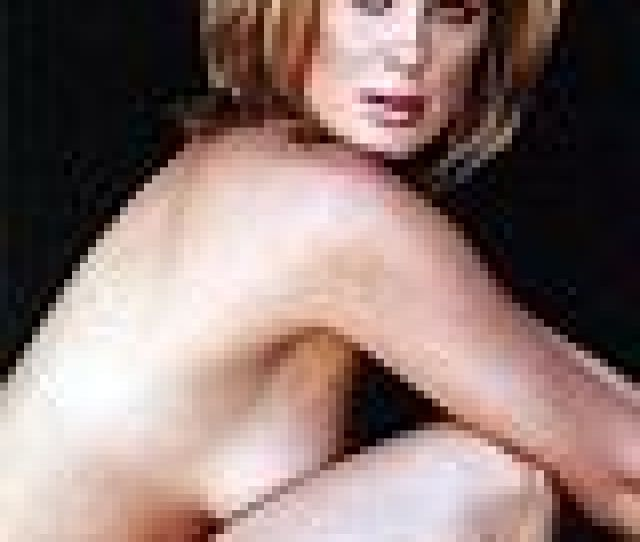 Rachel Hunter Paparazzi Nude Upskirt Pics Pics