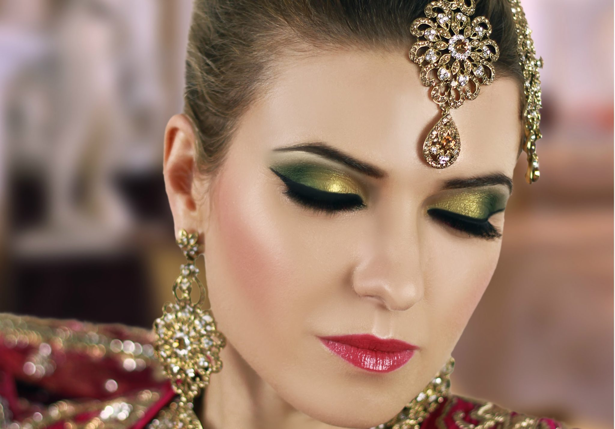 How To Do Amazing Eye Makeup For Mehndi Function Top
