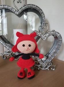 Anja Holst - Hæklet dukke i halloween kostume - Little Owls Hut