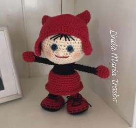 Linda Maria Trasbo - Hæklet dukke i halloween kostume - Little Owls Hut