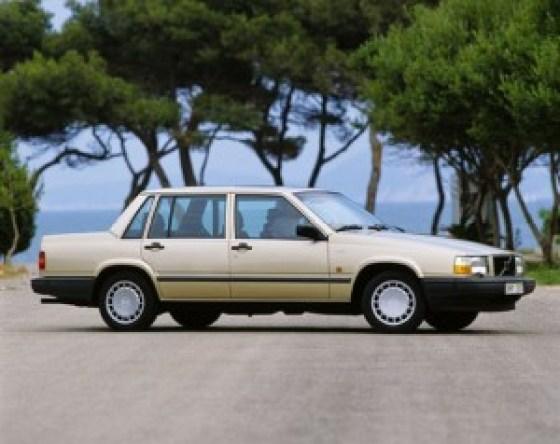 Top 10 Cheapest Used Cars Under $5000 In 2015-Volvo 740 Sedan