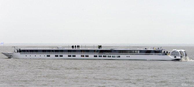 El MS Elbe Princesse sale de Saint Nazaire con destino Berlín
