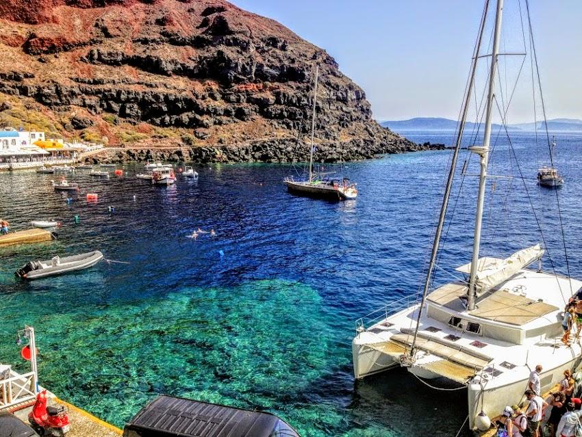 Яхт-туры вокруг о. Санторини в Греции