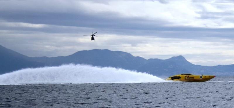 Scia delle propulsioni ad eliche di superficie Top System Racing