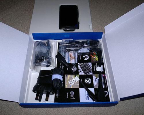 El primer unboxing oficial del Nokia N8