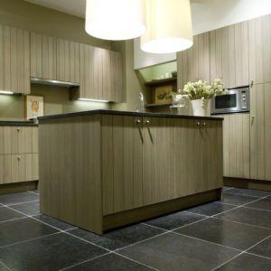 blauwsteen-tegels-keuken