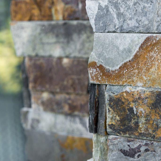 Steenstrips in natuursteen koop je bij Top Tegel 04
