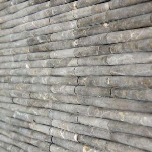 Natuursteen mozaiek in bamboo vorm.