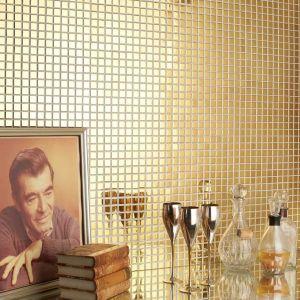 Gouden mozaiek tegels.