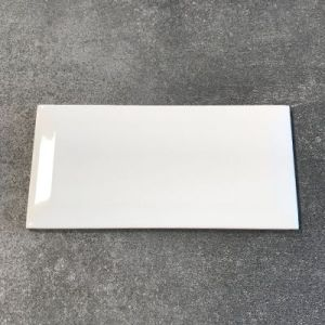 Wit blinkende metrotegels in formaat 7,5x15cm.
