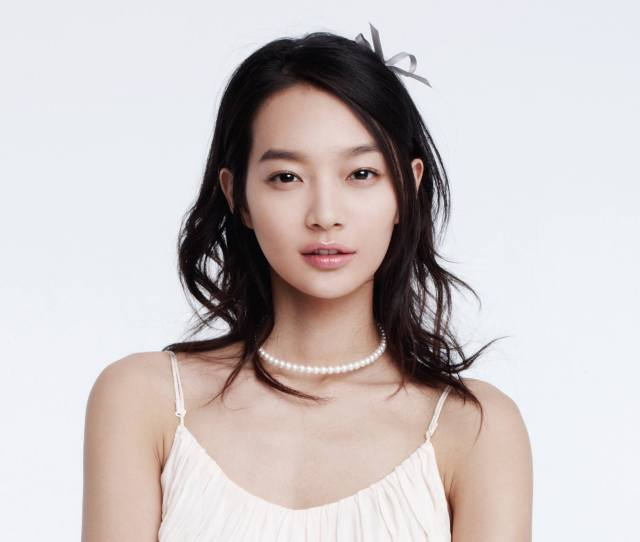 This Gorgeous Korean Born Actress And Model Was Born On March 5 1084 In South Korea Her Career Begun In 1998 As A Model For Teen Magazine In Kiki And Over