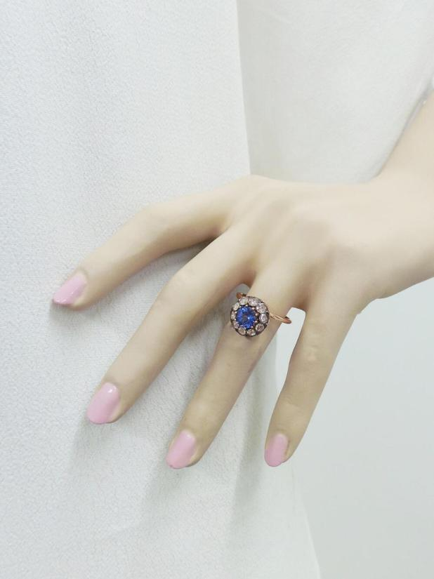 selim-mouzannar-large-diamond-and-tanzanite-ring2
