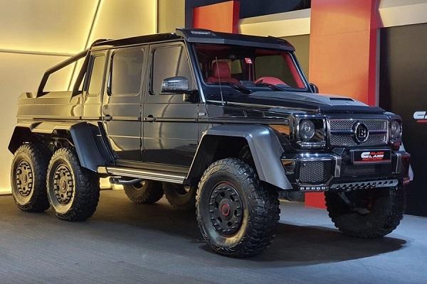 Mercedes-Benz G 63 6×6 AMG Brabus 700