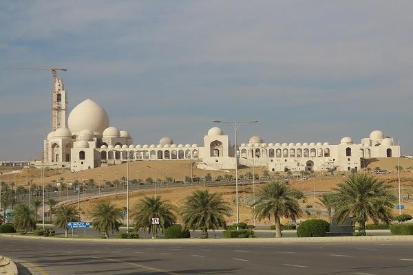 Grand Jamia Mosque, Bahria Town, Karachi - Area (m2): 200,000