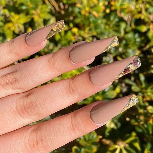 Элегантные ногти в форме гроба