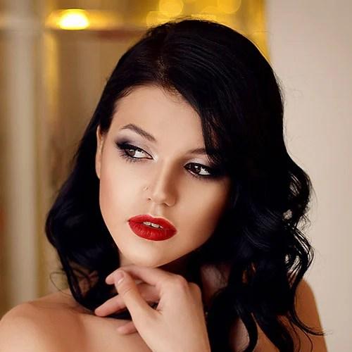 Prom Makeup For Black Dress