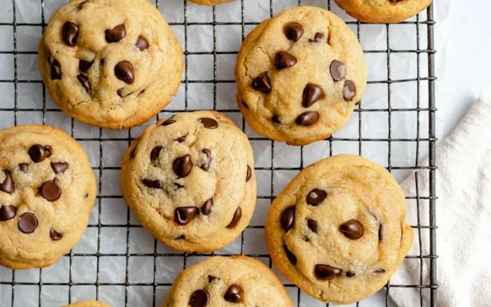 Make Cookies on A Cheap Fun Date