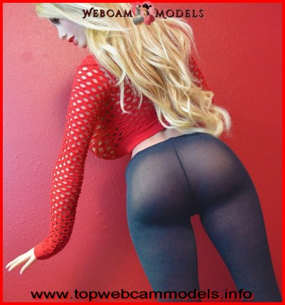 Top WebCam models Thick and beautiful blondes made of silicone dolls 8