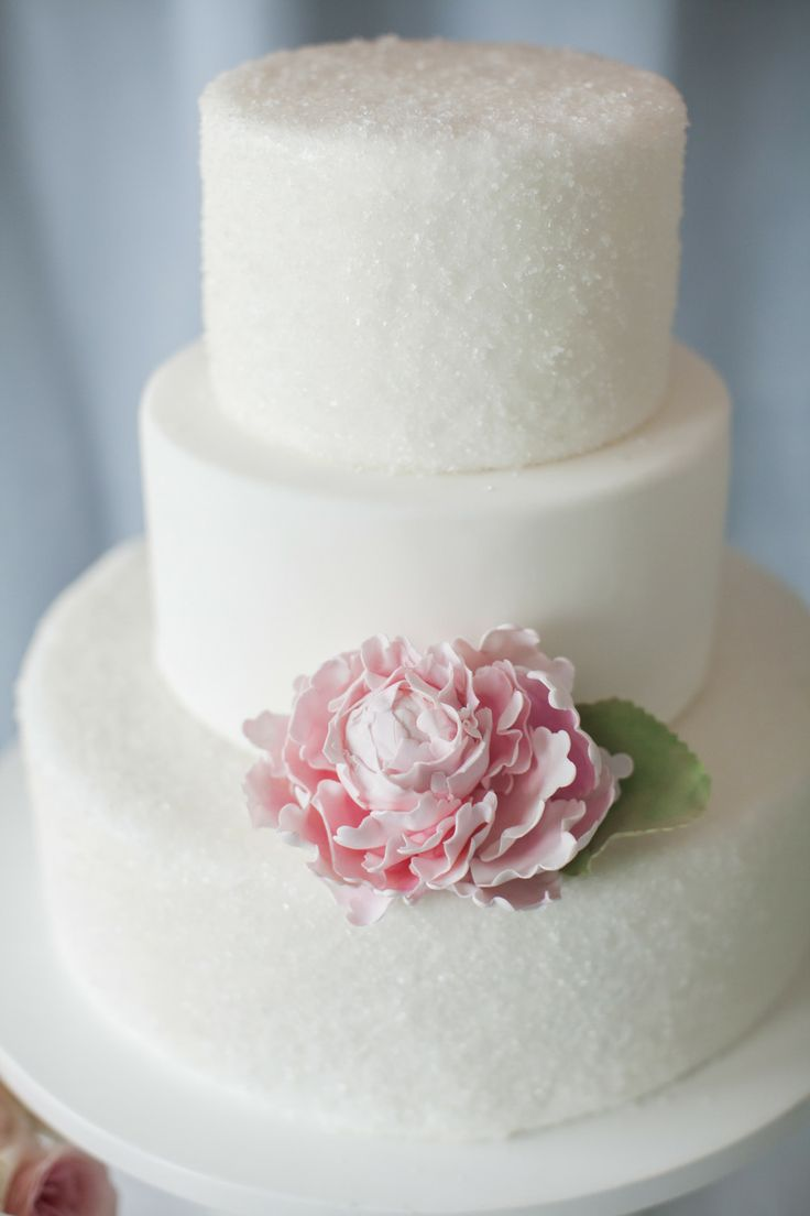 Simple Doesnt Mean Boring These Elegant Wedding Cakes Prove Simple