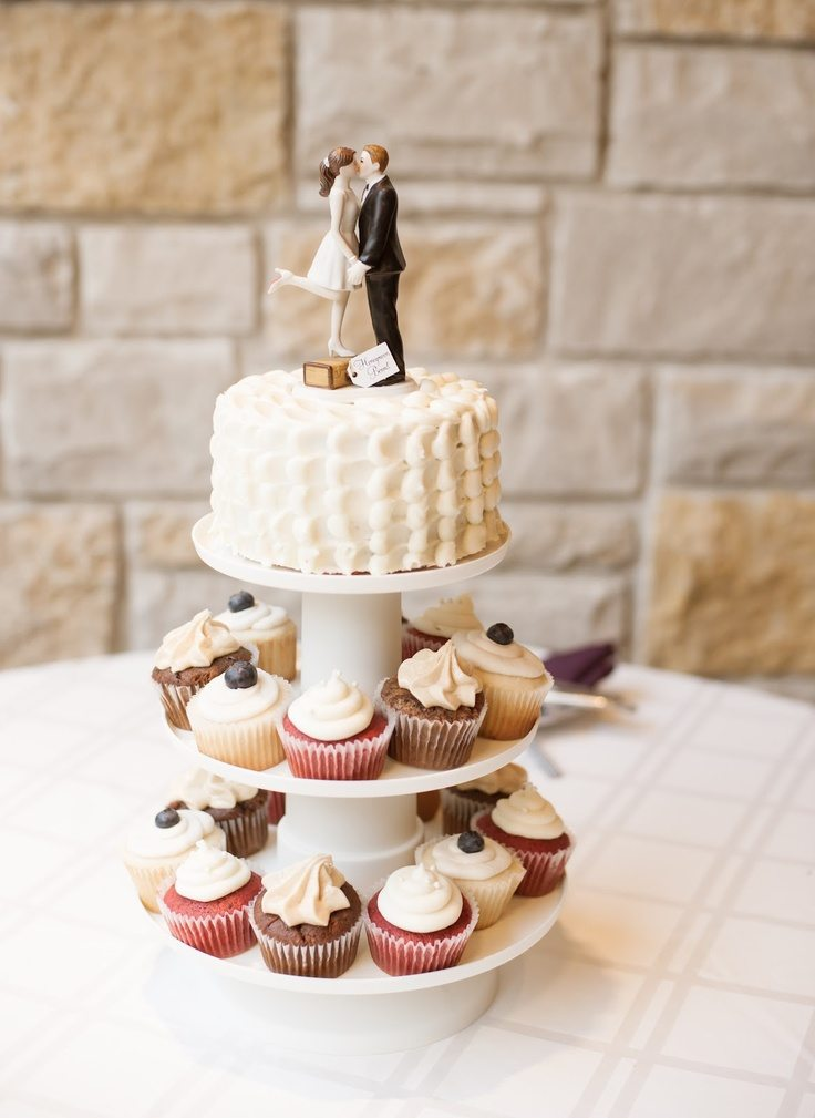 wedding cupcakes perfect vow renewal cake. Black Bedroom Furniture Sets. Home Design Ideas