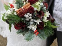 Festive, Christmas Bouquets for your Holiday-Inspired ...