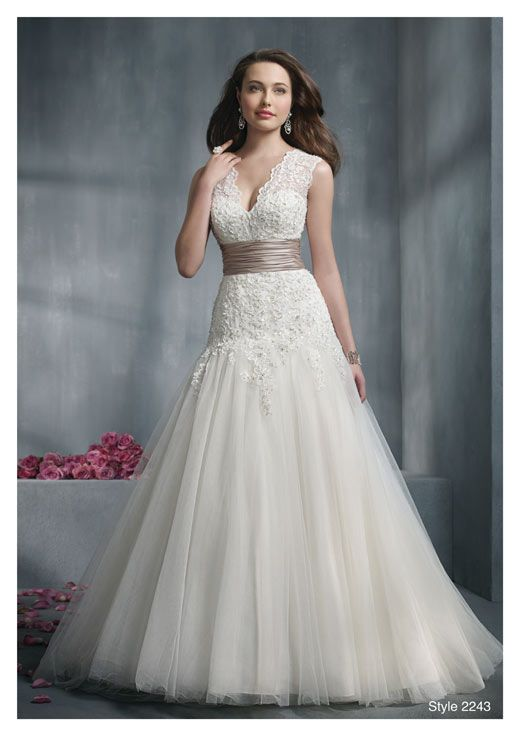 How to Choose the Right Wedding Dress Style for Your Body ...