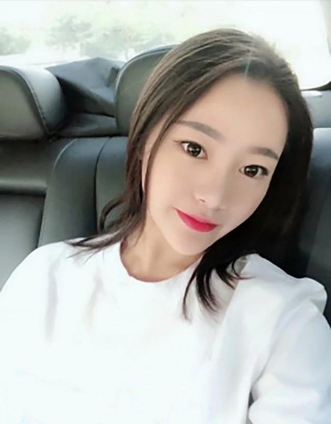 Jing Jing - Shanghai Escort 4
