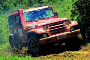 Jipe vermelho participante da Copa Jeep Club Juiz de Fora