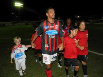Djalminha marca dois e Ribeiro Junqueira goleia: 4 a 1