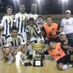 SB Tina Lanches: na foto já depois da premiação, campeão da Supercopa Regional
