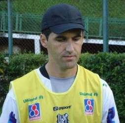 Tupi anuncia jogo-treino contra o Nova Iguaçu, do técnico Léo Condé
