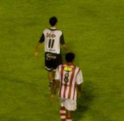 Em jogo morno, Tupi empata com o Villa em 0 a 0 e volta ao G4