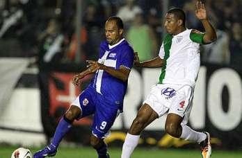 Libertadores: Alecsandro perde dois pênaltis, mas Vasco vence