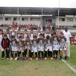 Equipe mirim do Tupi, antes do encontro com o Baeta pela Liga 2012 de Base