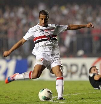 São Paulo garante vitória com um a menos. Boca perto da final na Libertadores